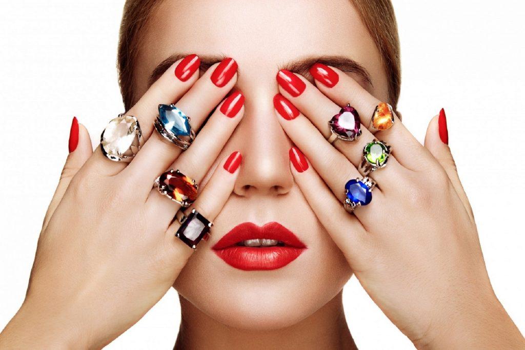 Mobile nails model